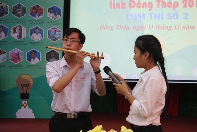 Lê Trần Ân mang nhạc cụ sáo trúc gần hơn với mọi người