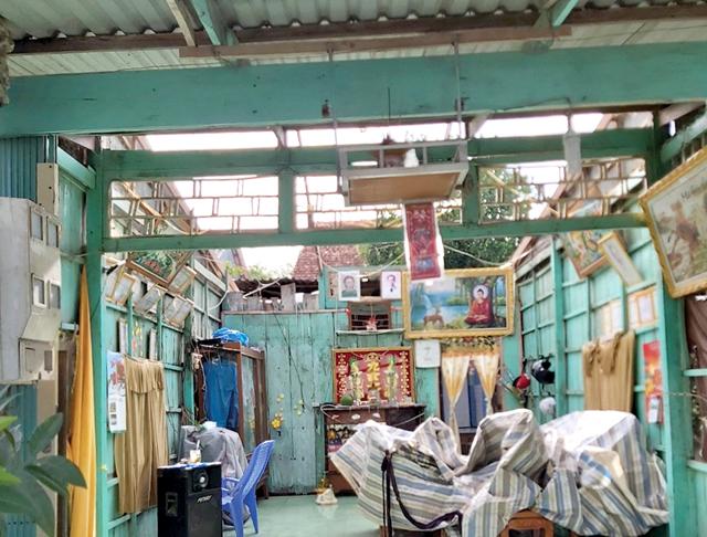 Một căn nhà bị tốc mái trên địa bàn huyện Thanh Bình do cơn mưa chiều 19/7